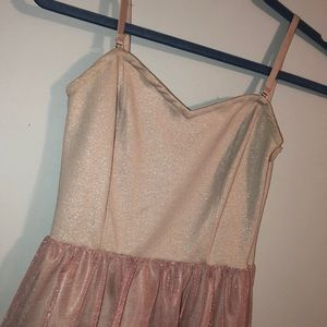 Cute and fun light pink dress!